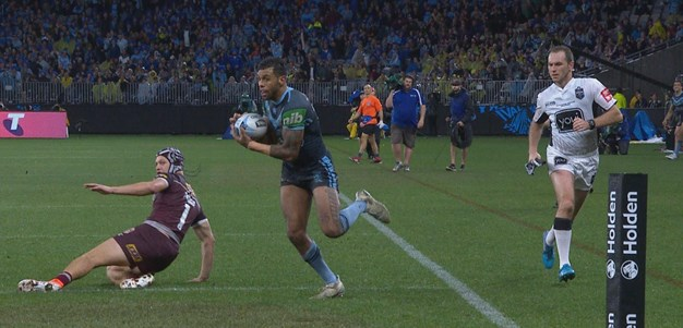 Blues left edge sends Addo-Carr in for his second try