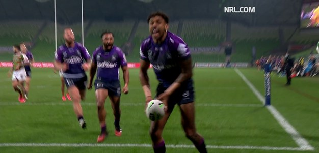 Munster perfectly places a kick for Addo-Carr